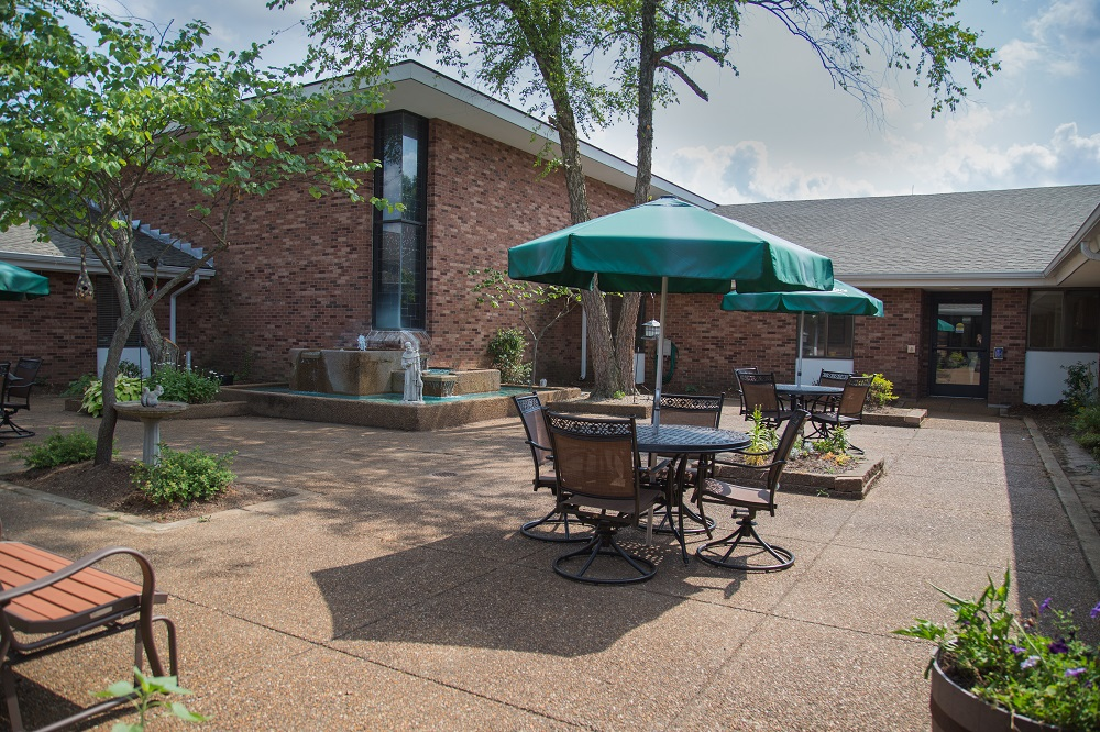Skilled Nursing and Rehab Courtyard at St. Andrew's at Francis Place